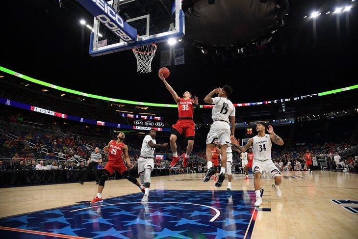 ТОП-3 стратегии ставок на баскетбол. Как перестраховаться от слива бюджета?